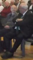 DRB. Vorsitzender C. Frank,- im Gespräch mit Herrn Rath von der taz